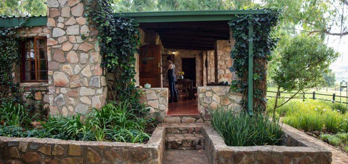 Elands Valley Dullstroom accommodation cottage side