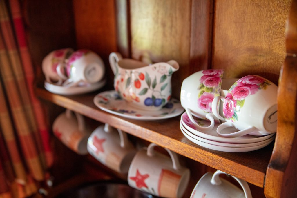 Elands Valley Dullstroom Accommodation teacups